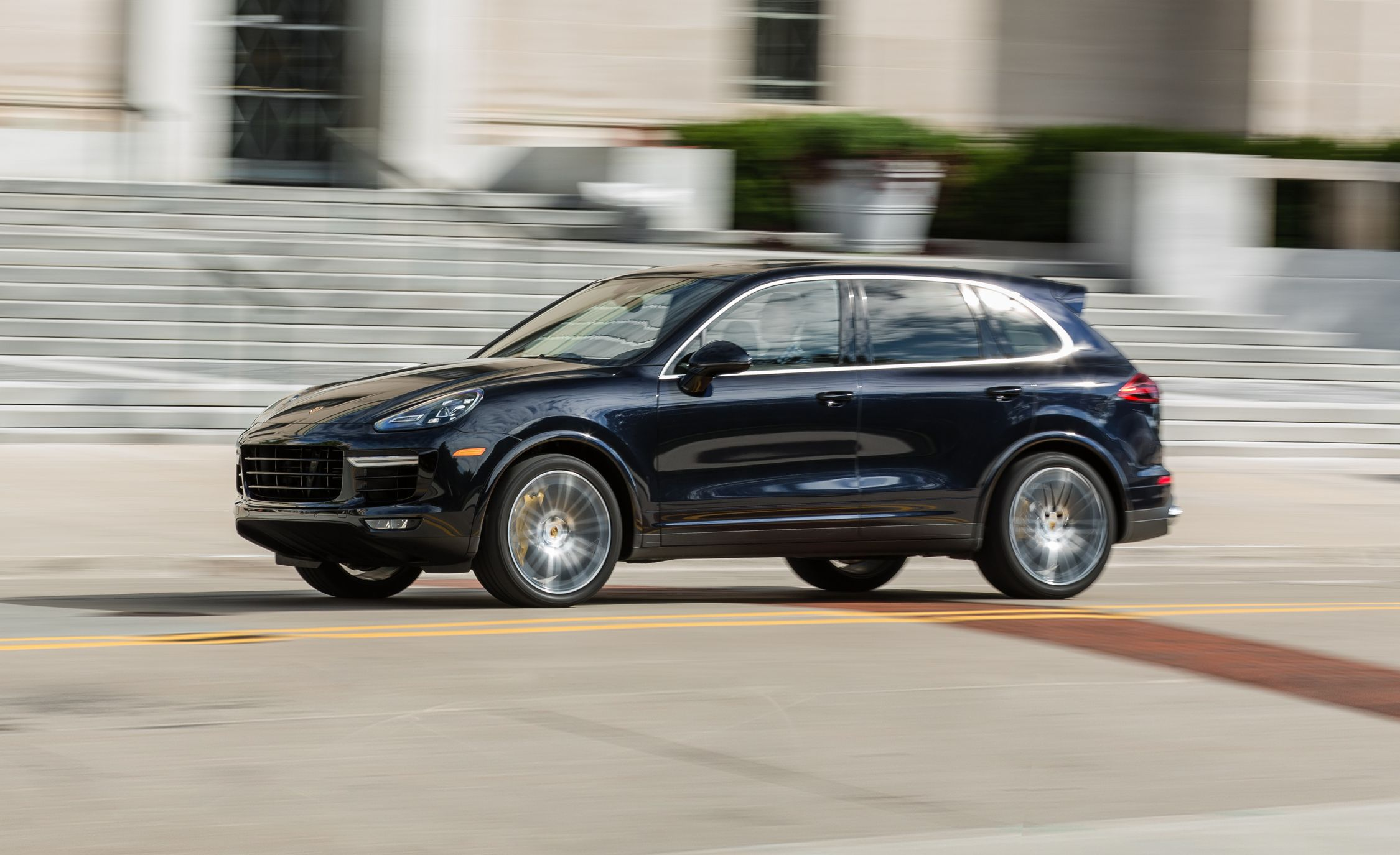 2017 porsche cayenne turbo s review