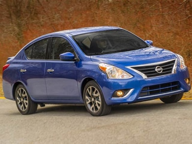 2015 nissan versa hatchback review
