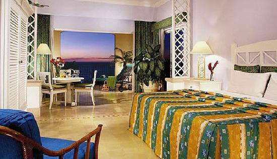 pueblo bonito emerald bay reviews