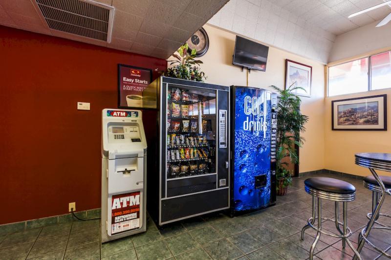 econo lodge phoenix airport reviews